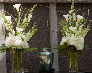 2 Vases with white Calla Lilies