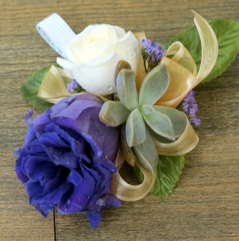 Tucson az corsages casas adobes florist corsage with white and purple flowers and mini succulents izmirmasajfo