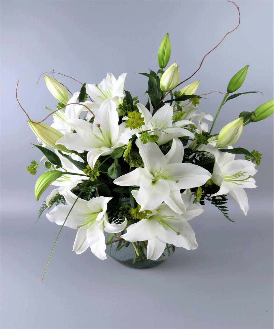 Tucson az white lily bouquets casas adobes florist glass bowl of white stargazer lily mightylinksfo